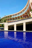 The luxury hotel with swimming pool and bar, Bentota, Sri Lanka — Stock Photo