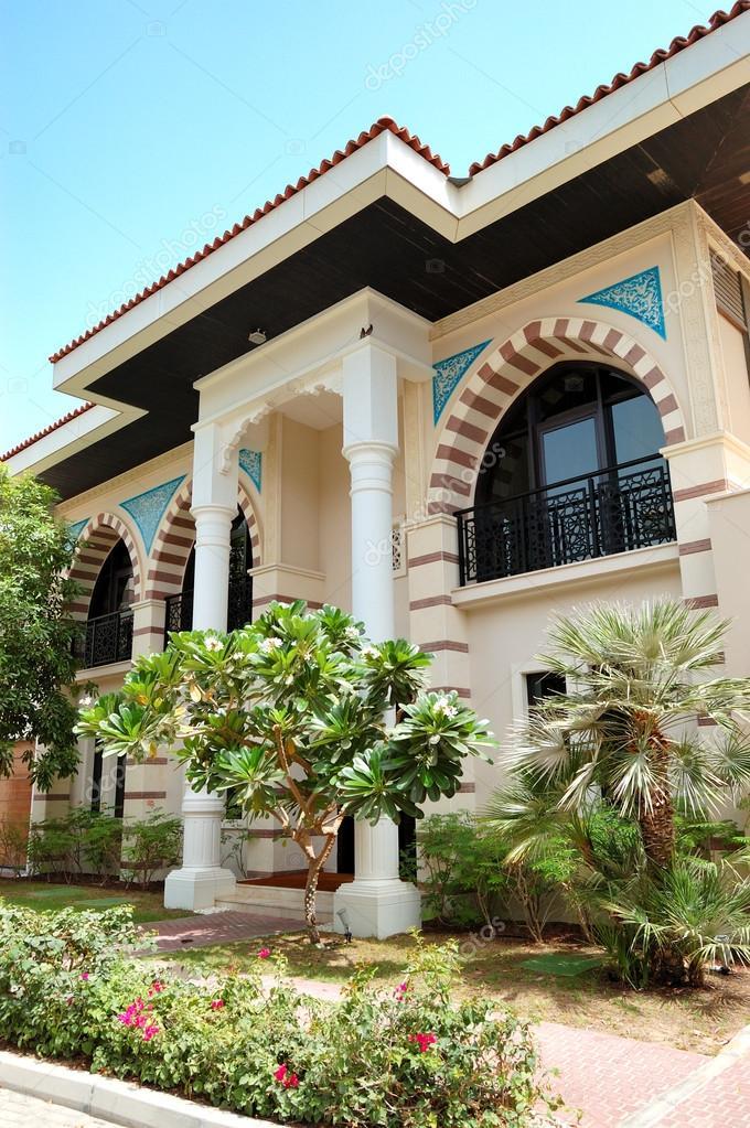 La villa moderne de style arabe de luxe hotel duba for Villa de luxe moderne