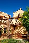 Restaurante al aire libre en el lujoso hotel, sharm el sheik, egipto — Foto de Stock