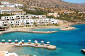 Beach at the modern luxury hotel, Crete, Greece — Stock Photo