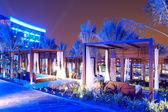Die hütten in der nähe von schwimmbad im modernes luxushotel palm jumeira — Stockfoto