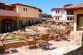 Outdoor restaurant at the luxury hotel, Halkidiki, Greece — Stock Photo