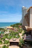 Beach of the modern luxury hotel, Pattaya, Thailand — Stock Photo