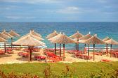 Beach at the modern luxury hotel, Halkidiki, Greece — Stock Photo