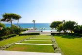 Swimming pool near beach at the luxury hotel, Peloponnes, Greece — Stock Photo