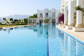 Swimming pool at luxury villa, Bodrum, Turkey — Stock Photo