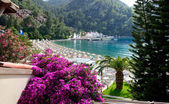 Yachts at the pier and beach on Mediterranean turkish resort, Fe — Stock Photo