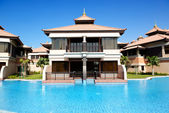 The luxury villa in Thai style hotel on Palm Jumeirah man-made i — Stock Photo