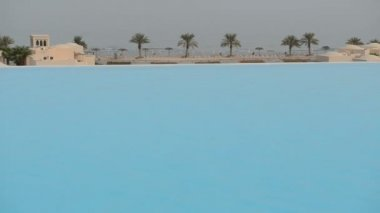 The view from swimming pool on a beach, Ras Al Khaima, UAE — Stock Video