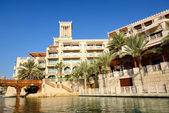 DUBAI, UAE - SEPTEMBER 9: View of the Souk Madinat Jumeirah. Mad — Stock Photo