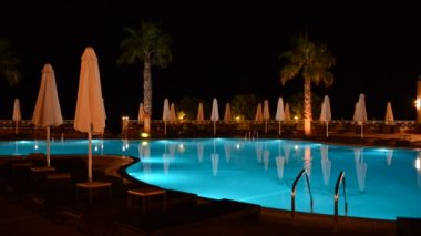 Swimming pool at the luxury hotel, Halkidiki, Greece — Stock Video