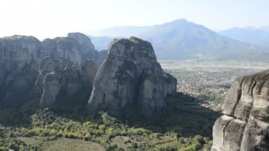View from above on the Meteora and Kalambaka village, Greece — Stock Video