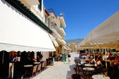KALAMATA, GREECE - JUNE 7: The outdoor tavern with local inhabit — Stock Photo