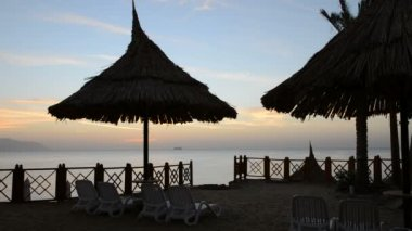 Sunrise and beach at the luxury hotel, Sharm el Sheikh, Egypt — Stock Video
