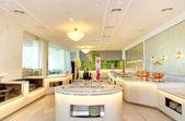 El interior del restaurante del hotel de lujo, ras al-khaimah, emiratos árabes unidos — Foto de Stock