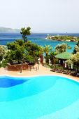 Swimming pool near beach at Turkish resort, Bodrum, Turkey — Stock Photo