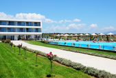 Peloponnesus, grekland - 8 juni: turisterna njuter av deras vacatio — Stockfoto