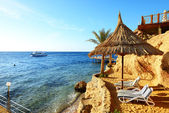 Sunrise and beach at the luxury hotel, Sharm el Sheikh, Egypt — Stock Photo