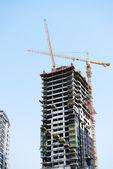Yeni gökdelen içinde dubai city, birleşik arap emirlikleri yapımı — Stok fotoğraf