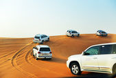 DUBAI, UAE - SEPTEMBER 12: The Dubai desert trip in off-road car — 图库照片