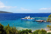 Recreation yacht at the pier on Turkish resort,  Bodrum, Turkey — Foto Stock