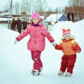 Two girl in the skate — Foto Stock