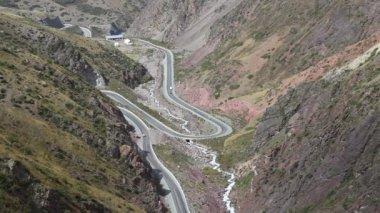 Carretera de montaña. — Vídeo de Stock