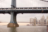 Brooklyn and Manhattan bridges — Fotografia Stock