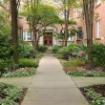 Sidewalk in courtyard — Stock Photo