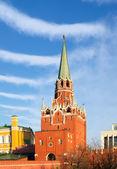 Moscow. Kreml. Troitskaya (Trinity) Tower against the sky. — Stock Photo