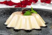 Creme Caramel Dessert (Panna Cota) — Stock Photo