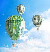 Money bills Hot Air Balloon in the Sky — Foto de Stock