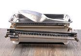 Staré kuchyňské váhy na bílém pozadí — Stock fotografie