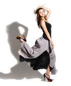 Mutlu kız uzun elbise — Stok fotoğraf