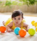 Gelukkige jonge familie met meisje van de baby — Stockfoto