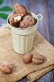 тыквы, джем, орехи и корзины с яблоками — Стоковое фото