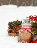 Bodegón de navidad con una decoración navideña — Foto de Stock
