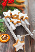 Christmas cookies and Christmas decorations — Stock Photo