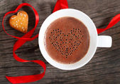 Mug of hot chocolate or cocoa with cookies — Stock Photo