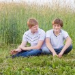 iki genç — Stok fotoğraf