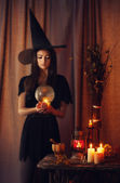 Young witch making the witchcraft — Stock Photo