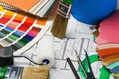 Des échantillons de tissu, de cuir, de peintures et de réparation de peinture — Photo