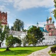 Gate Church and the wall of the Novodevichy Convent — Stock Photo