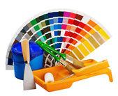 Plastica può con vernice, rulli, spazzole — Foto Stock
