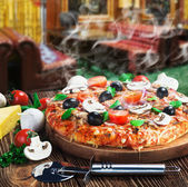 Baked pizza — Stockfoto