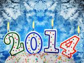 符号的新的一年在蛋糕上的蜡烛 — 图库照片