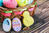 Cookies and colored eggs for Easter Day   — Foto de Stock
