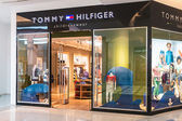 Tommy Hilfiger Children's Store in the mall Metropolis  — Stock Photo