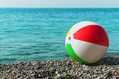 Children's ball on the beach — Stock Photo