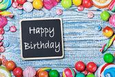 Blackboard with congratulations to happy birthday — 图库照片